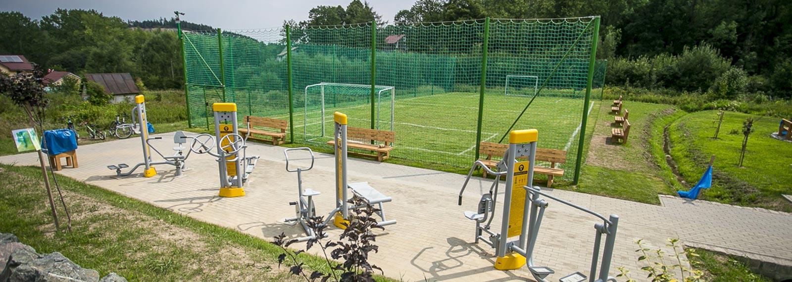 Montaż ogrodzenia boiska