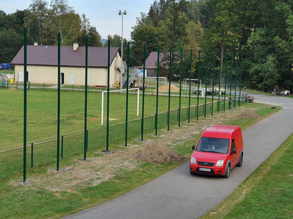 Montaż piłkochwytu w Czarnym Borze